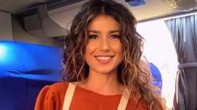 'Nunca me achei melhor que ninguém', diz Paula Fernandes | Santa Portal