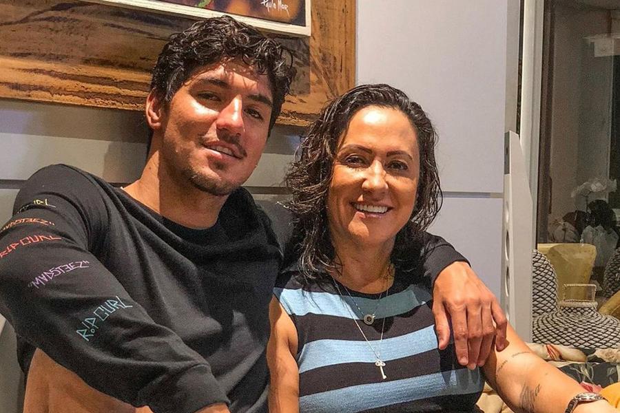 Mãe de Medina ignora surfista em Tóquio e diz querer filha nos Jogos de Paris 2024   Santa Portal