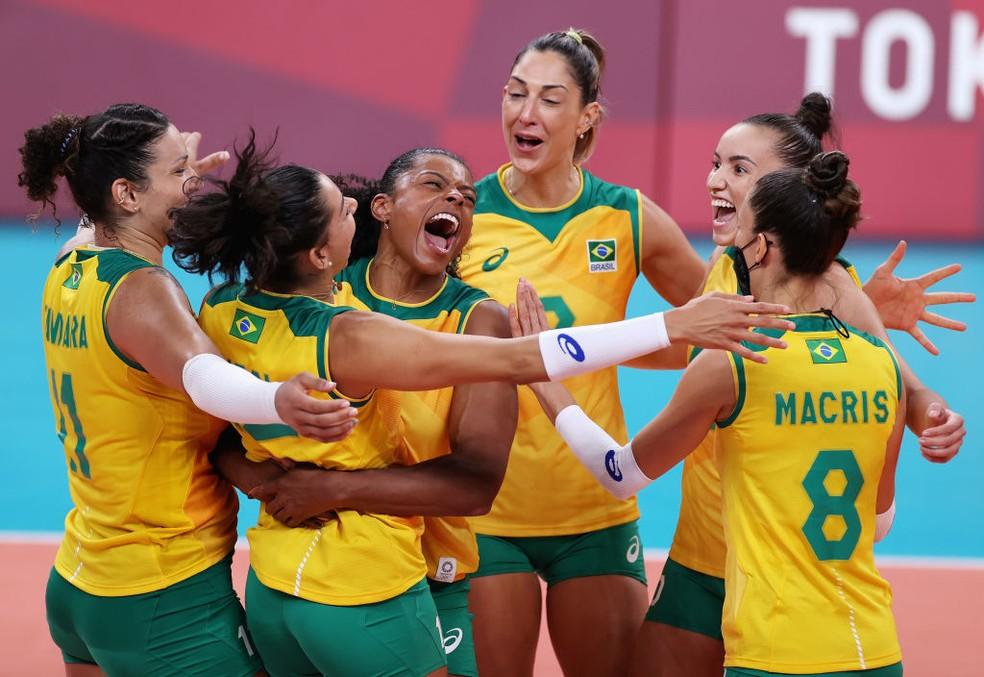 Seleção brasileira derrota República Dominicana em jogo de cinco sets   Santa Portal