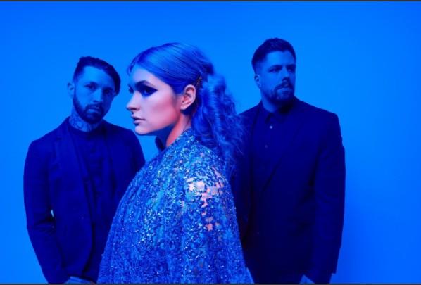 "Banda canadense Spiritbox lança esperado álbum ""Eternal Blue"" | Santa Portal"